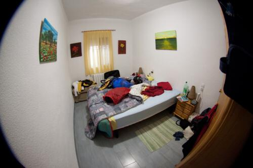 10-sleeping_room_2
